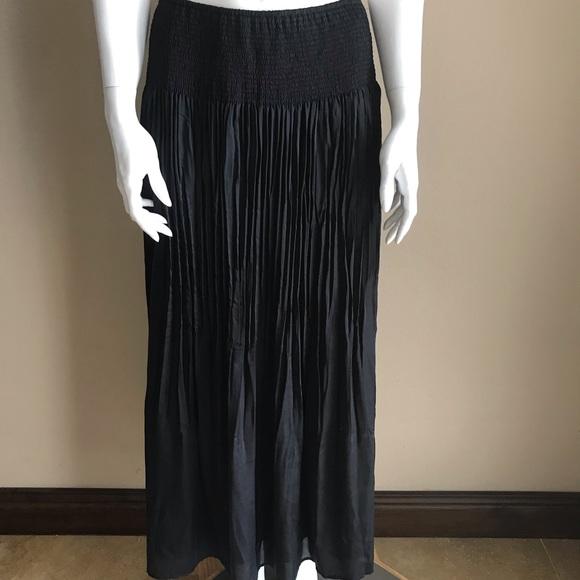 White House Black Market Dresses & Skirts - White noise black market accordion pleat skirt